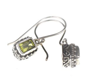 Sterling Silver Earings with Peridot Stone