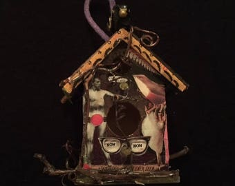"""Miniature """"Blackbird"""" House"""