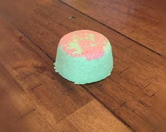 Lucious Moisturizing Bath Bomb - Happy Hour on the Beach scent - handmade, combined shipping