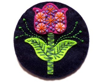 TULIP felt brooch pin with freeform embroidery - scandinavian style