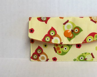Mini Wallet - Gift Card Holder - Debit Credit Card Case -  Business Card Case  - Snap Closure - Colorful Owls on Cream Fabric