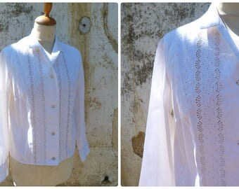 Vintage 1950/50s white cotton eyelet mid century long sleeves  blouse size S/M