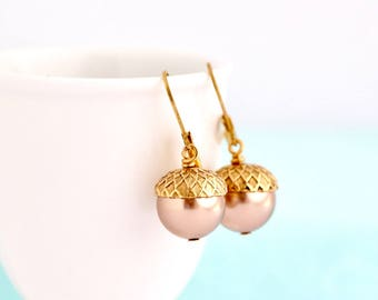 Pearl Earrings - Acorn Earrings - Pale Bronze Pearls - Dangle Earrings - Woodland Jewelry - Rustic Jewelry - Autumn Jewelry - Acorn Jewelry