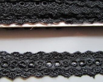 2.5cm Black Eyelet Lace top quality x 1 metre