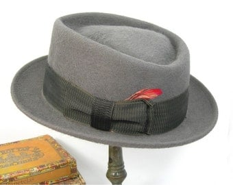Man's Pork Pie Hat, Size 7-1/4, Gray Felted Fur, Lee Brand, Water Repellent, Slalom Long Oval, Vintage 1960-70s, Hipster, Jazz