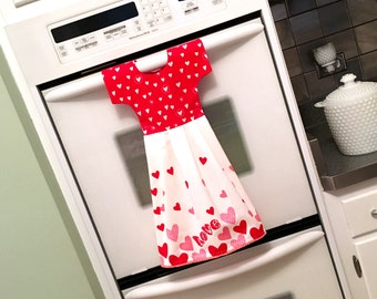 Valentine Kitchen Towel Dress / Dish Towel Dress / Tea Towel Oven Dress / with Red Pink and White Hearts