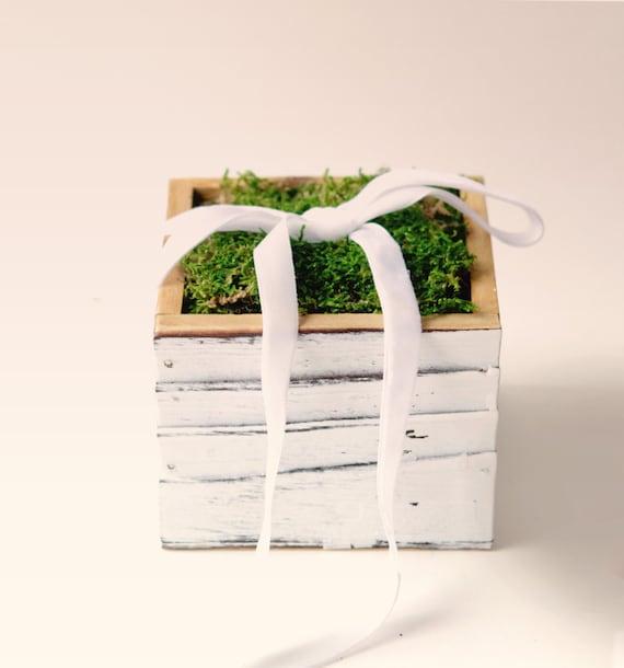 Moss ring bearer box, Rustic wedding pillow, Simple woodland box, pageboy accessory, Woodland wedding, Shabby chic ring bearer pillow