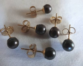 One Pair Hand Crafted Stud or Post Earrings Cultured Pearls 5mm Round Black Akoya Gold Filled Small Backs E5