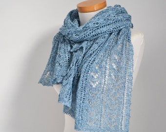 Lace knitted shawl, blue, P523