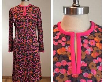 70s Keram New York Pink Floral Print Long Sleeve Split Neck Shift Dress, Size Small
