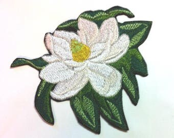 """BEAUTIFUL MAGNOLIA Embroidered Iron-on Patch Applique - Large 4.25"""" x 5"""" - FREE Shipping"""