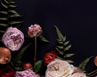 GIFT WRAPPED - Dark Botanical No. 70