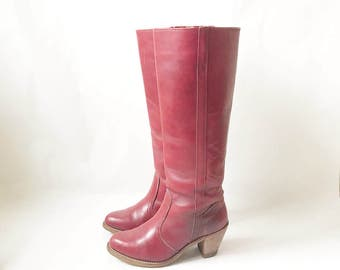 Vintage 70's DEXTER Burgundy Tall Campus Boots. Size 6 1/2