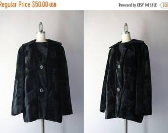 STOREWIDE SALE 1940s Coat / Vintage 40s Faux Fur Jacket / 1940s Black Faux Sealskin Coat