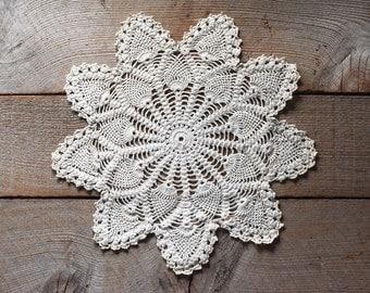 Antique Crochet Lace Star, Crochet Lace, Vintage Crocheted Lace, Lace Doily, Vintage Textile, Sewing Supplies, Christmas Decoration