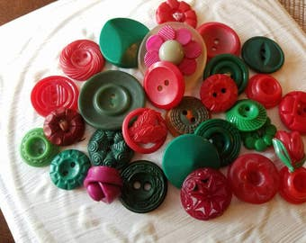 Vintage Buttons - Cottage chic mix of red and green lot of 29 old and sweet(mar 54 17)