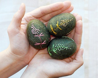 Hand felted Easter Eggs, Green Moss Felt Eggs, Embroidered Easter Eggs, Table Decoration, Decoration For Photoshoot, Home decor