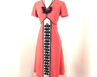 vintage 1960's dress ...bohemian chic VERA MAXWELL ORIGINAL modern perfection crewel embroidered coral tailored sheath dress l xl