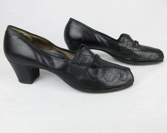 Vintage 1940s, 30s Black Leather Slip On, Peep Toe Shoes, Wearable Size