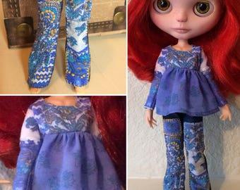 Blue Skies Boho Hippie Blythe Outfit - Mizzfitzdolls Signature OOAK Blythe jeans, Blythe top, Blythe hat & Blythe purse.