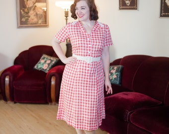 Vintage 1930s Dress - Charming Red and White Cotton Gingham 30s Day Dress with Lace Trim