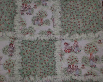 Raggedy Ann and Andy baby rag quilt