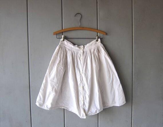 Vintage Basic White Cotton Skirt 80s Mini White Skirt Button Front Full Skirt Preppy Minimal High Waist Skirt with Side Pockets Womens Small