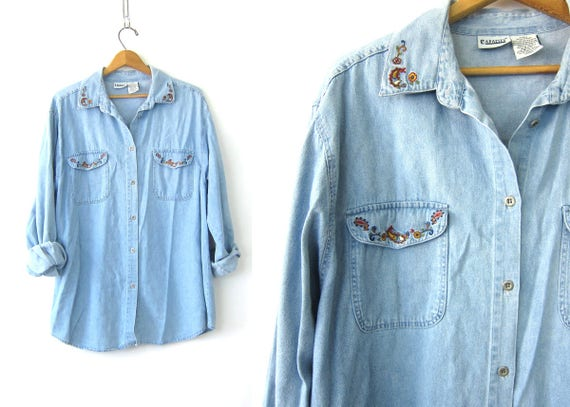 90s Embroidered Chambray Jean Shirt Oversized Button Up Denim Slouchy Hipster Pocket Top Preppy Minimal Casual oxford Shirt Womens size XL