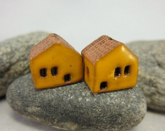 READY TO SHIP...Miniature Terracotta House Beds...Set of 2...Yellow