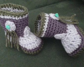 Crochet cowgirl booties for baby