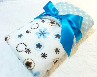 CLEARANCE SALE - NOW just 20 dollars - Ready to Ship - Minky Baby Blanket - Blue Daisy Ring with Blue Polka Dot Minky - Crib Size