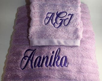 Embroidered Personalized Bath/Hand Towel Set- Graduation, House warming, Brithday, Wedding Gift; Monogram
