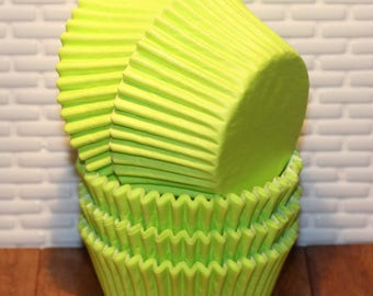 NEW - Lime Green Heavy Duty Cupcake Liners (Qty32) Lime Green Cupcake Liner, Lime Green Baking Cups, Cupcake Liners, Baking Cups, Lime Green