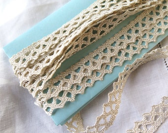 Ric Rac Crocheted Lace Trim in Ivory Mercerized Cotton 3.5 Yards