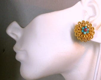 Gold and TURQUOISE Flower Button Clip Earrings, 1970s Golden Flower with Aqua and Fuscia Rhinestone Center, Classic Elegant, Perky
