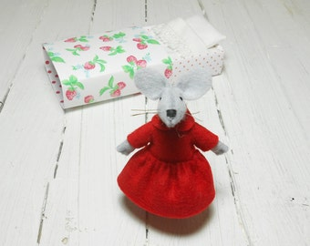 Valentine gift for kids birthday baby shower favor gift mouse in a matchbox handmade stuffed animals tiny plush Red strawberries