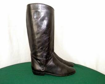 Etienne Aigner Vintage 1980s Sz 6.5 Women Black Leather flat riding boots.