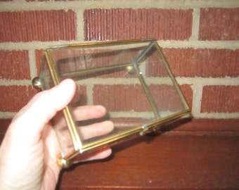 Vintage 1970s Simple Glass and Brass Footed Hinged Keepsake Jewelry Box