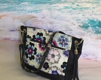 Concealed Carry Bag, Concealed Carry Tote, CC Bag, Floral CC Bag, Floral Gun Bag, CC Handbag, Ccw Purse, Concealed Carry Crossbody Bag