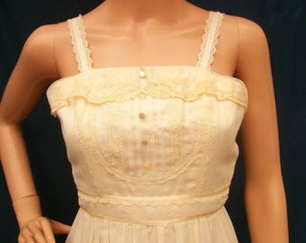 ON SALE 70s Ivory Gauze Maxi Dress size XXS Extra Small Gunne Sax
