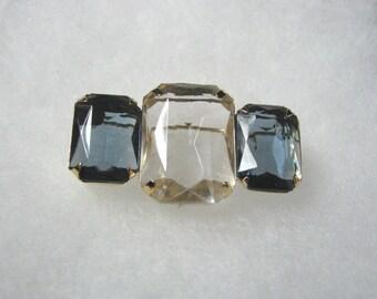 Stunning vintage Avon Fashion Facets pin brooch rhinestone & sapphire
