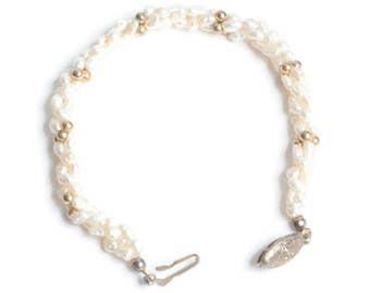 Freshwater Pearl Bracelet Gold Tone Accents Twist Design Vintage