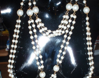 Vintage White Pearl Necklace for Young Women