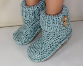 50% OFF SALE Instant Digital pdf download knitting pattern-2 Button Super Chunky Slipper Boots pdf download knitting pattern by MADMONKEYKNI