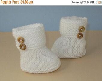 50% OFF SALE digital pdf file knitting pattern for - Easy Baby Garter Stitch Cuff 2 Button Booties pdf knitting pattern