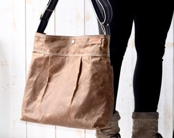 READY TO SHIP - Waxed Canvas bag / Briefcase / Messenger bag / Brown Tote / Travel bag / Vogue / Fall Fashion