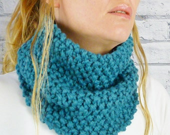 Teal Merino Wool Handknitted Cowl, womens scarf, snood, neckwarmer READY TO SHIP