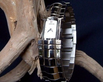 OOAK Seiko Ladies Dress Watch Rare Sexy Stainless Steel Cuff Style Band Silvertone New Battery Water Resistant Unique FavoriteCollectibles