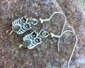 Owl charm earring set (504)