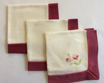 Vintage Embroidered Flower Napkin Set
